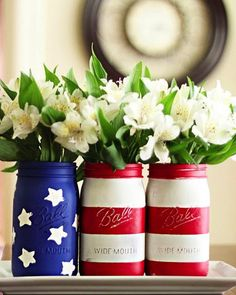 American Flag mason jar vases! So cute and easy. Perfect for 4th of July get-togethers!
