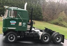 Mack Trucks, Big Rig Trucks, Semi Trucks, Old Trucks, Model Truck Kits, Model Car, Classic Trucks, Classic Cars, Best Model