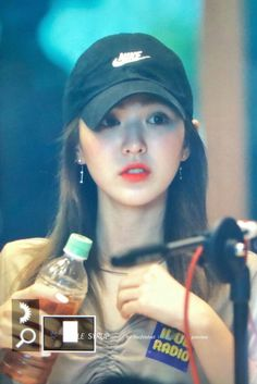 Kpop Girl Groups, Kpop Girls, Wendy Red Velvet, Funny Kpop Memes, Kim Yerim, Eye Candy, Celebs, Songs, Wendy Rv