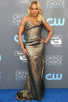Mary J. Blige in Vivienne Westwood attends The 23rd Annual Critics' Choice Awards. #bestdressed