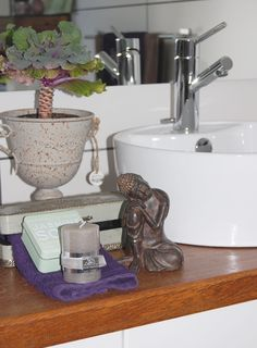 PERNILLES INTERIØRSYSLER! Sink, Home Decor, Sink Tops, Vessel Sink, Decoration Home, Room Decor, Vanity Basin, Sinks, Countertop