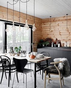 A Gorgeous Scandinavian Style Home in Finland (Gravity Home) Modern Scandinavian Interior, Scandinavian Style Home, Scandinavian Kitchen, Scandinavian Windows, Kitchen Interior, Kitchen Design, Kitchen Modern, Room Kitchen, Modern Wooden House