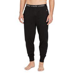 Arborant une coupe légèrement slim et doté d'un stretch naturel, ce pantalon de pyjama offre le bon équilibre entre style urbain et confort intérieur.