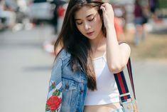 Single Asian Woman,Lemon from Guilin / Guangxi Ulzzang Couple, Ulzzang Girl, Bad Girls Cast, Girls Dp, Cute Girls, Pretty Girls, Asian Woman, Asian Girl, Cute Korean Girl