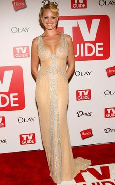 Katherine Heigl Photos - Actress Katherine Heigl arrives at the 4th annual TV Guide after party celebrating Emmys 2006 held at Social Hollywood on August 27, 2006 in Hollywood, California. - TV Guide 4th Annual Emmy Party