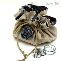 Quilt Story: Tutorial: Travel Jewelry Bag