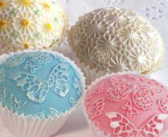 Butterfly & Daisy design mat cupcakes.