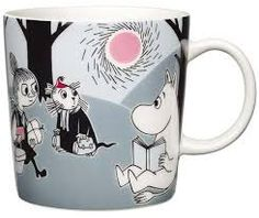 "Arabia's mug ""Adventure move"" (Seikkailu muutto) with elegant shape and kind motif from the Moomin world. Charming pottery from Finland. Secure payments and worldwide shipping within 24 hours. Moomin Mugs, Les Moomins, Moomin Valley, Tove Jansson, New Adventures, Marimekko, Finland, A Table, Mugs"