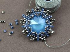 Forget-me-not – kolczyki z kryształkami Swarovski Rivoli – tutorial | Royal-Stone blog