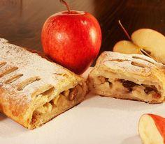Štrúdl aneb jablečný závin. Kdo by neznal tuto pochoutku, která nadchne snad každého milovníka moučníků. Právě teď, kdy máme dostatek jablek z vlastních zdrojů, si jej můžeme připravovat častěji. Strudel, Apple Pie, Sandwiches, Sweets, Bread, Fruit, Food, Portal, Goodies