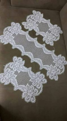 Better Homes Remodeling Ideas - Crochet - Diy Crafts Crochet Blocks, Crochet Doily Patterns, Crochet Designs, Crochet Doilies, Crochet Stitches, Diy Crafts Crochet, Crochet Projects, Baby Sweater Knitting Pattern, Knitting Patterns