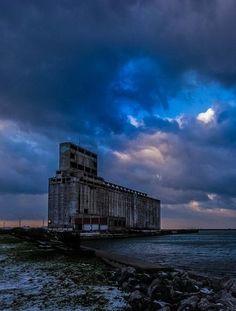 Abandoned grain mill, Buffalo, NY