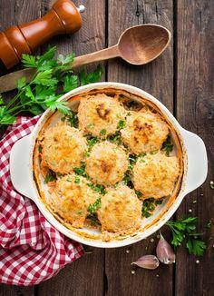 Albóndigas de pollo al horno rellenas de queso , Albóndigas de pollo al horno rellenas de queso y gratinadas, una receta de albóndigas de pollo que hará las delicias de toda la familia.