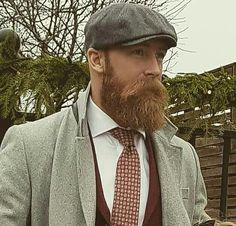 Best Beards Styles Probably one of the most common questions that I ever get is how do I make my beard thicker and fuller? Long Beard Styles, Hair And Beard Styles, Great Beards, Awesome Beards, Tapered Beard, Beard Suit, Beard Images, Beard Model, Perfect Beard
