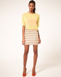 Falda con rayas, encuentra más tendencias para primavera en..http://www.1001consejos.com/faldas-para-primavera/