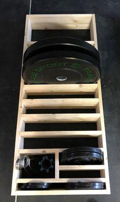 Home Made Gym, Diy Home Gym, Gym Room At Home, Home Gym Garage, Basement Gym, Basement Storage, Dream Home Gym, Weight Rack, Crossfit