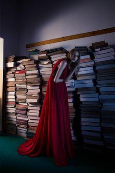 Dark Woodland for Liike Magazine I Autumn Issue I Styling by Allegra Ghiloni I Fashion Editorial
