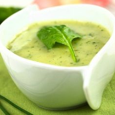 Thick and creamy spinach soup Chowder Soup, Chowder Recipes, Soup Recipes, Cooking Recipes, Good Healthy Recipes, Healthy Snacks, Vegetarian Recipes, Creamy Spinach Soup, Aperitivos Finger Food