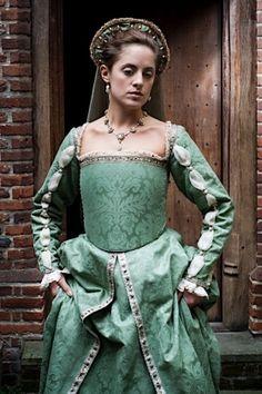 haute couture fashion Archives - Best Fashion Tips Tudor Dress, Medieval Dress, Renaissance Garb, Renaissance Fashion, 16th Century Fashion, Medieval Princess, Tudor Costumes, Period Outfit, Fantasy Dress