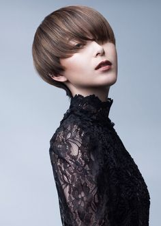 Theme:魅せるベージュ、シンプルかつ美しく Stylist:日和佐舞(hair atelier hiyori) Photo:Fumi Eguchi