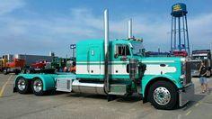 Classic semi truck Big Rig Trucks, Tow Truck, Semi Trucks, Cool Trucks, Peterbilt 359, Peterbilt Trucks, Silverado 4x4, Model Truck Kits, Cement Mixers