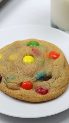 M amp;M Cookies Soft M amp;M Cookies.everyone loves this easy, sweet cookie recipe!Soft M amp;M Cookies.everyone loves this easy, sweet cookie recipe! Slow Cooker Recipes Dessert, Dessert Recipes, Good Cookie Recipes, Soft Cookie Recipe, Sweet Cookies, Cookies Soft, Maple Cookies, M M Cookies, Snacks
