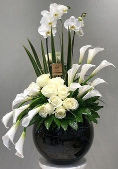 Exotic flowers – Home Decor Gardening Flowers Tropical Flower Arrangements, Creative Flower Arrangements, Flower Arrangement Designs, Church Flower Arrangements, Church Flowers, Beautiful Flower Arrangements, Funeral Flowers, Beautiful Flowers, Exotic Flowers