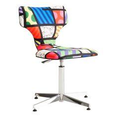Compre Cadeira Britto Loft e pague em até 12x sem juros. Na Mobly a sua compra é rápida e segura. Confira!