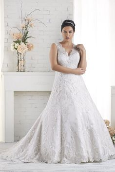 Wedding gown by Bonny Bridal - Unforgettable Collection