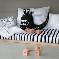 Minimalistic style + lots of fun! In love with ooh noo designs http://petitandsmall.com/ooh-nooh/
