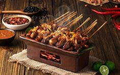 Masakan khas Indonesia dari daging ini sangat lezat jika disantap dengan Kecap Manis Bango.