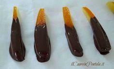 intingere scorzette d'arancia nel cioccolato
