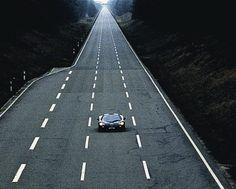 De keer dat de Mclaren F1 een snelheid van 391 km/u haalde - https://www.topgear.nl/autonieuws/de-keer-dat-de-mclaren-f1-topsnelheid-van-391-kmu-reed/