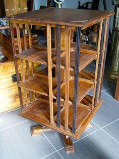 http://www.la-timonerie-antiquites.com/fr/antique/1083/bibliotheque-tournante-en-teck