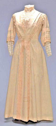 Two-piece dress, ca. 1900-20. Amsterdam Museum