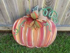 Vine Pumpkin Door Hanger by Southern Pickens Fall Door Hangers, Burlap Door Hangers, Metal Hangers, Pumkin Decoration, Pumpkin Door Hanger, Wooden Pumpkins, Craft Night, Fall Crafts, Halloween Crafts