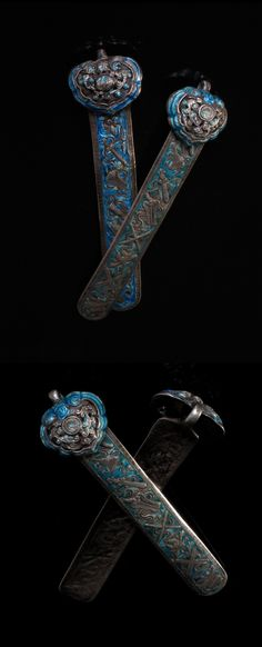 China | Hairpins; silver repoussé enameled. Qing Dynasty | ©Susan Dods