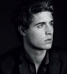 Max Irons: Jared from the host! Love that movie!!(: