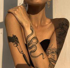 Mini Tattoos, Dainty Tattoos, Body Art Tattoos, Tribal Tattoos, Small Tattoos, Cool Tattoos, Beautiful Tattoos, Cute Foot Tattoos, Stomach Tattoos