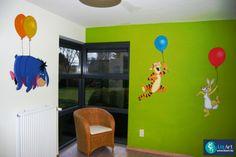 Muurschilderij Pooh-figuren aan ballonnen