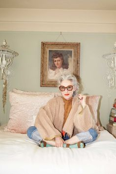 LINDA RODIN | THE FILE