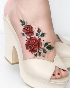 45 large foot tattoos for women # tattoos # 45 .- 45 grandi tatuaggi ai piedi per le donne # tatuaggi # 45 tatuaggi # commedia … 45 large foot tattoos for women # tattoos # 45 tattoos # comedy … – # - Tattoos Motive, Body Art Tattoos, New Tattoos, Tatoos, Fashion Tattoos, Cute Foot Tattoos, Ankle Tattoos, Awesome Tattoos, Rose Tattoos For Women