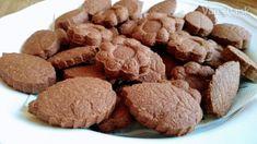 Kváskové kakaové sušienky (fotorecept) - Recept Ale, Almond, Cookies, Desserts, Food, Russian Recipes, Polish, Biscuits, Meal