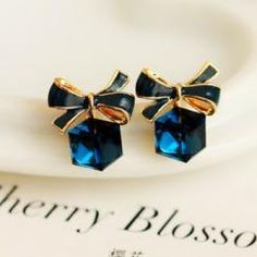 SQUARE BOW STUD EARRINGS