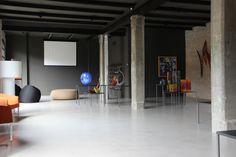 I nostri pavimenti in resina rappresentano la soluzione ottimale per i più svariati settori. Nella foto il pavimento realizzato per una rinomata vetreria di Murano