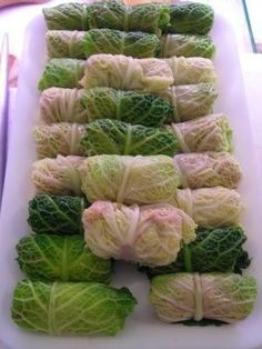 Ricette verdure: involtini di verza Vegetable Recipes, Vegetarian Recipes, Cooking Recipes, Healthy Recipes, Cabbage Rolls, Light Recipes, Food Design, Finger Foods, Italian Recipes