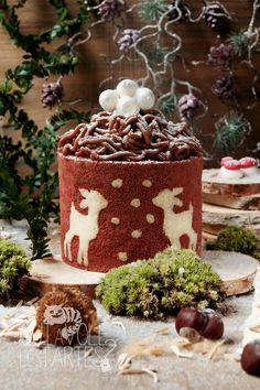 Je craque pour ce mont blanc forêt enchantée et vous ? Christmas Deserts, Christmas Cupcakes, Noel Christmas, Christmas Wedding, Swiss Roll Cakes, Jelly Roll Cake, Pastry Design, Patterned Cake, Winter Desserts