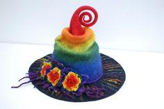 Chapeau de sorcière Assistant avec fleurs feutré d