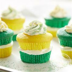 Green & Gold #Cupcakes from Pillsbury® Baking