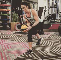 #WORKOUTWEDNESDAY Just because summer is over doesn't mean you can't keep your amazing #beachbody ! Grab your @prismfitness123 medicine ball for this high intense lower body burner! View the workout at www.facebook.com/prismfitnessgroup